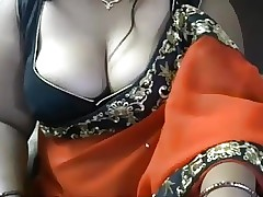 Indian Bhabhi approximately sari..