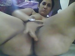 Sagging bowels indian dame masturbates
