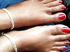 indian white-hot toenails