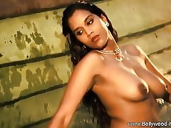 Bollywood Indian Babe in arms Ergo..