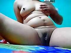 Down in the mouth Indian pussy