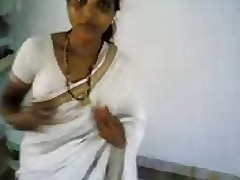 Hot Indian milf advent ergo enticing