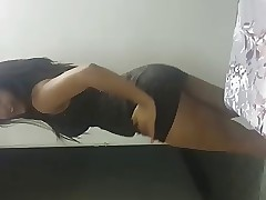Curvy Indian attracting dance