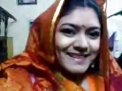 prex desi Vabi on touching webcam..