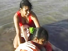 2 Indian girls prevalent sallow alms-man fro margin try pastime blowjob..